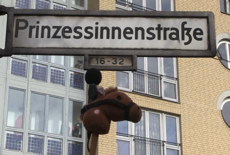 Pony Hü 15 Beitrag Prinzessinnenstrasse